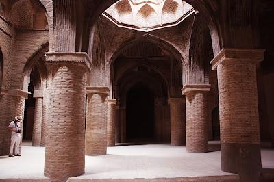 La Columna de Ladrillo de la Mezquita Jame en Isfahán