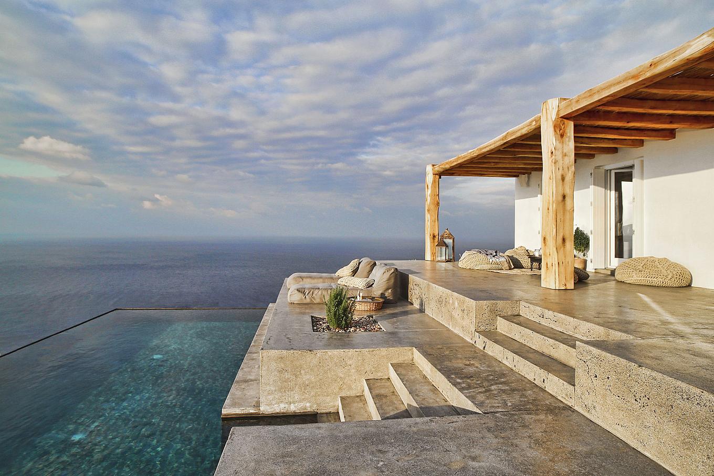 Casa estiva sull 39 isola di syros con piscina a sfioro vista for Planimetrie della casa estiva
