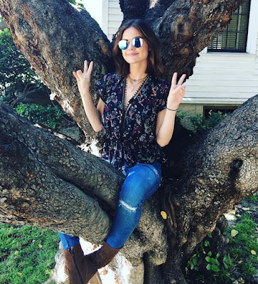 "PLL behind-the-scenes Lucy Hale (Aria) in a tree 7x10 finale ""The DArkest Knight"""