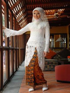 model rok panjang dari kain batik