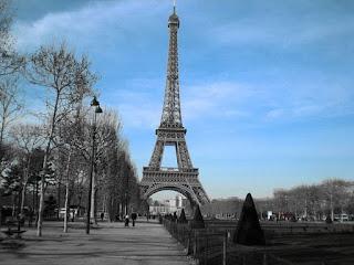 10 Fakta Unik Tentang Menara Eiffel yang Mungkin Belum Kalian Ketahui