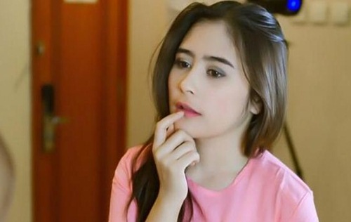 Video Prilly Hina Keluarga Aliando