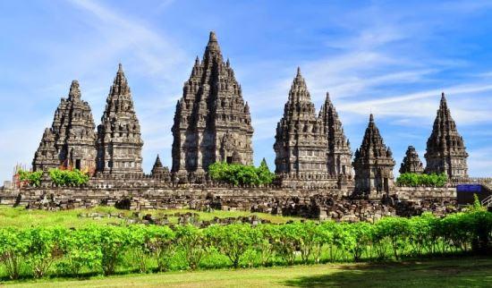 Candi Prambanan tempat wisata di jogja indonesia
