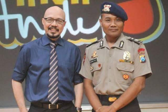 Anggota Polisi Nyambi Ngojek, Untuk Menyekolahkan Anak Yang Kurang Beruntung Dan Terlantar