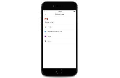 """تطبيق """"جي ميل"""" Gmail على آيفون يبدأ بدعم حسابات البريد من مزوّدات خارجية"""