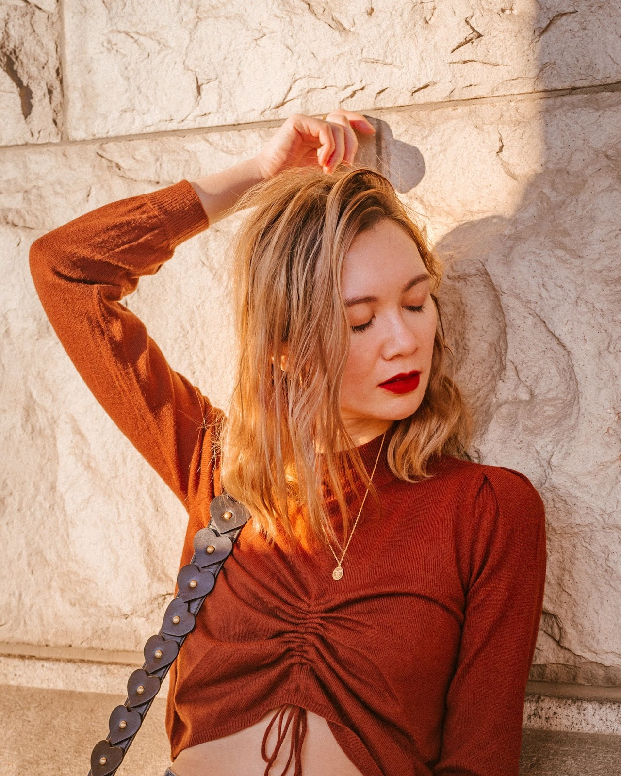 Camel tones, vancouver blogger, fall trends, fall 2018 trends, camel coat, cozy outfit for winter, fall outfit, fall style, canadian style, mejuri, tarot, canadian fashion blogger, chriselle lim collaction,  cropped sweater, rust tones,