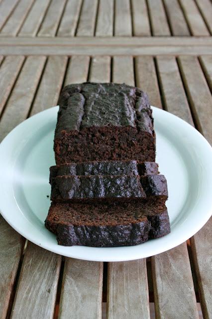 bizcocho de chocolate y platano sin lactosa y sin gluten