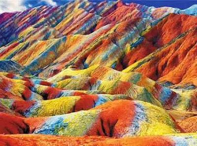 Gunung Pelangi di China