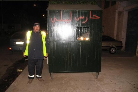 """الجهوية 24 - مهنة الحارس الليلي بسطات .. لقمة عيش تخالف """"عقارب الساعة"""""""