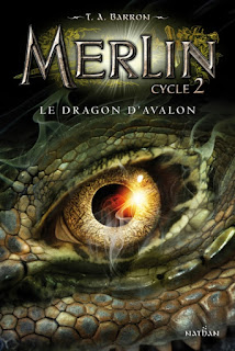 http://lacaverneauxlivresdelaety.blogspot.fr/2016/04/merlin-cycle-2-tome-1-le-dragon-davalon.html
