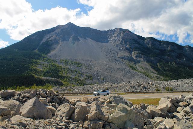 geology travel landslide alberta canada rocdoctravel.com fieldtrip