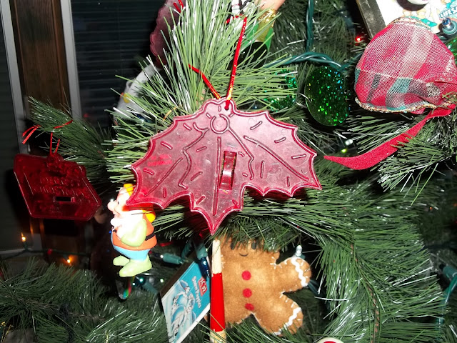 Old fashioned Plastic Red Cookie Cutter Wreath