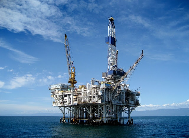 انواع ابراج الحفر Types of drilling rigs land Rigs- jack-up rigs- Platform Rig