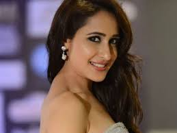 Pragya Jaiswal, Biography, Profile, Age, Biodata, Family, Husband, Son, Daughter, Father, Mother, Children, Marriage Photos.