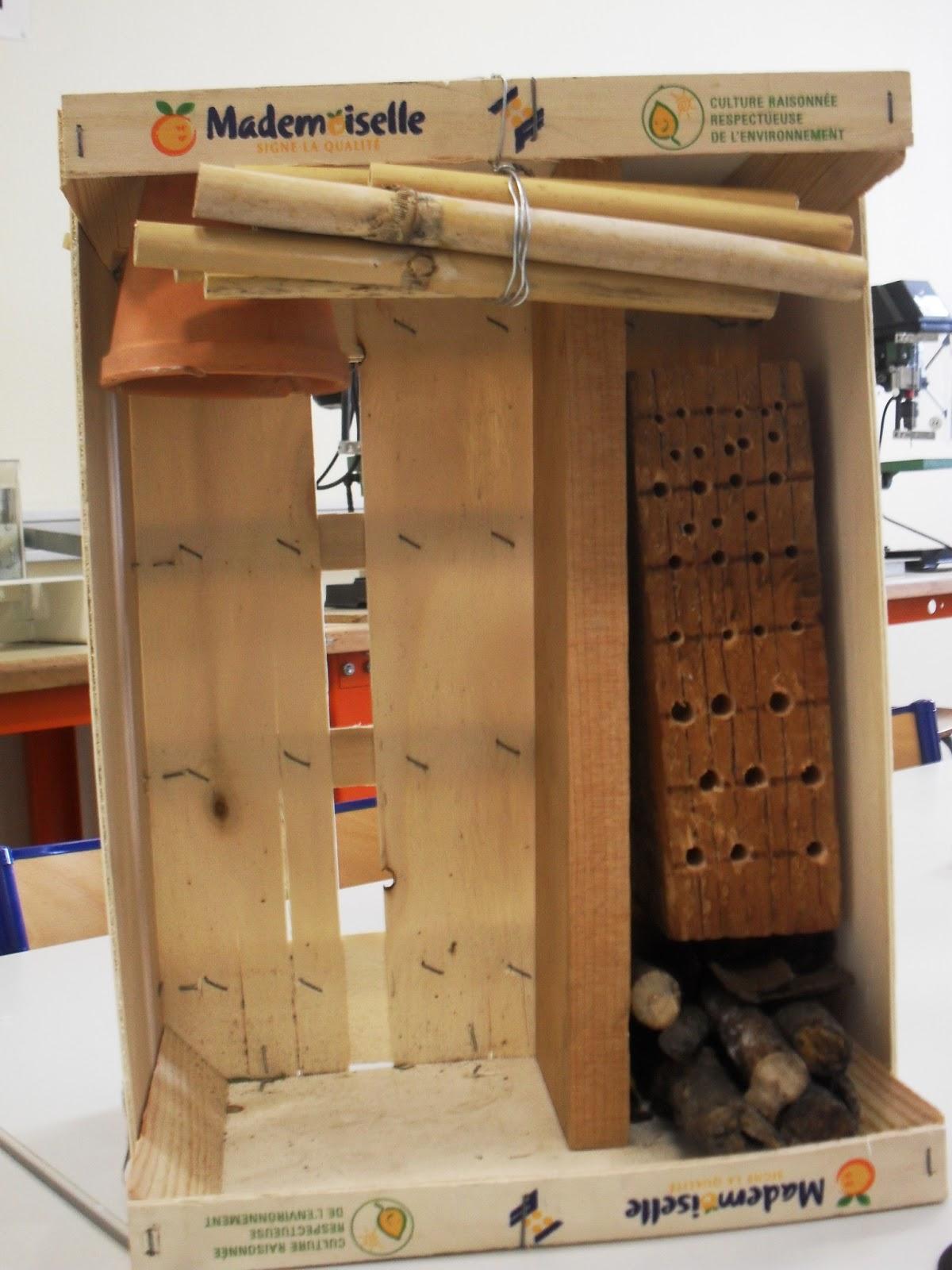 eco caousou fabrication des nichoirs et hotels a insectes. Black Bedroom Furniture Sets. Home Design Ideas