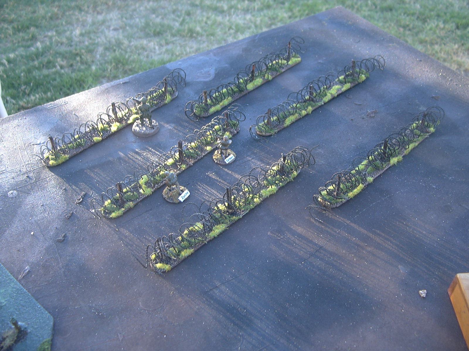 Terrain of War: Barbed Wire 20mm 25mm 28mm (6) 1/72 1/48 40K