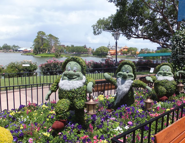 EPCOT Topiary Seven Dwarfs