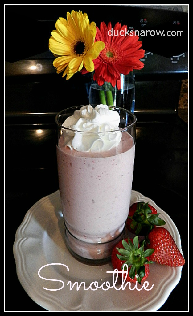 Strawberry Banana Smoothie recipe #smoothie #strawberries Ducks n a Row