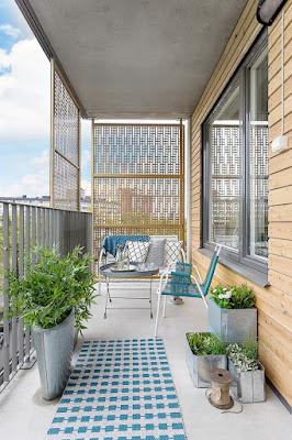 55 Ide Desain Keren Balkon Sempit Pada Rumah Tingkat - Rumahku Unik