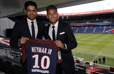 Merasa Bukan Bintang Barca, Neymar Resmi ke PSG
