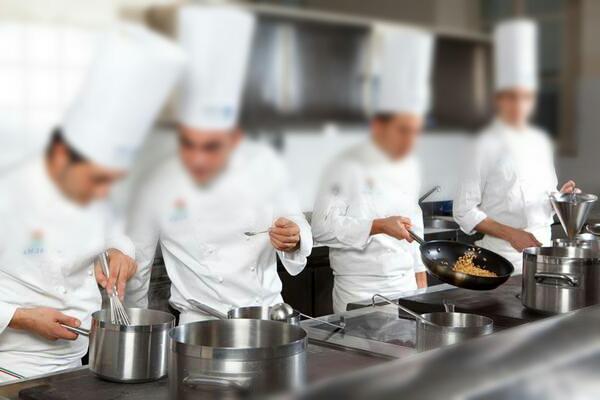 12 cose da sapere per lavorare in cucina ricetta ed - Lavorare in cucina ...