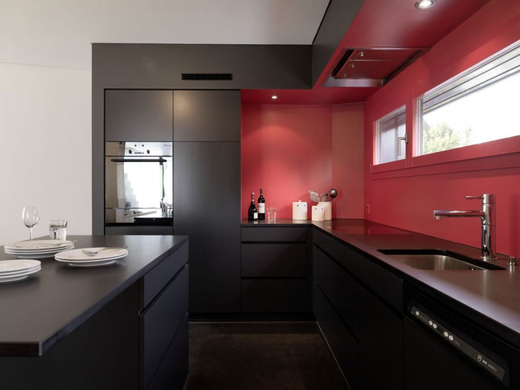 Desain Dapur Modern Minimalis Nuansa Merah 02