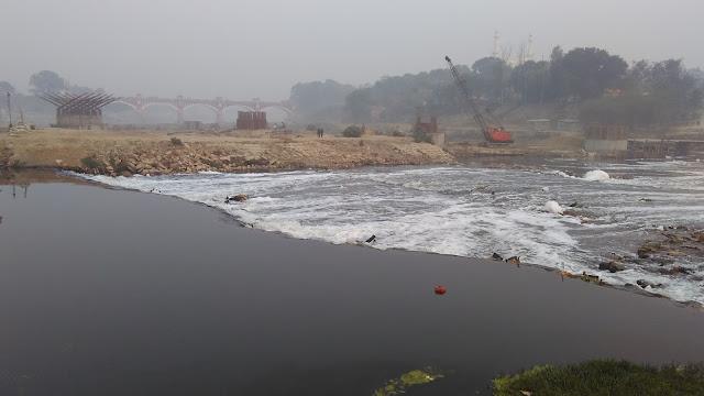 gomti river water