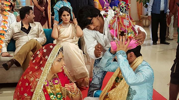 Dinesh Lal Yadav 'Nirahua' Aashiq Aawara Bhojpuri Movie First Look Poster Shooting stills