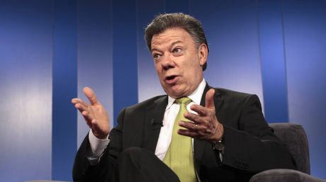 Presidente Santos pide renuncia protocolaria al gabinete ministerial
