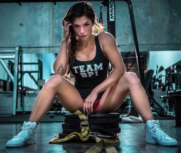 Luciana Alegre Fitness Model 7