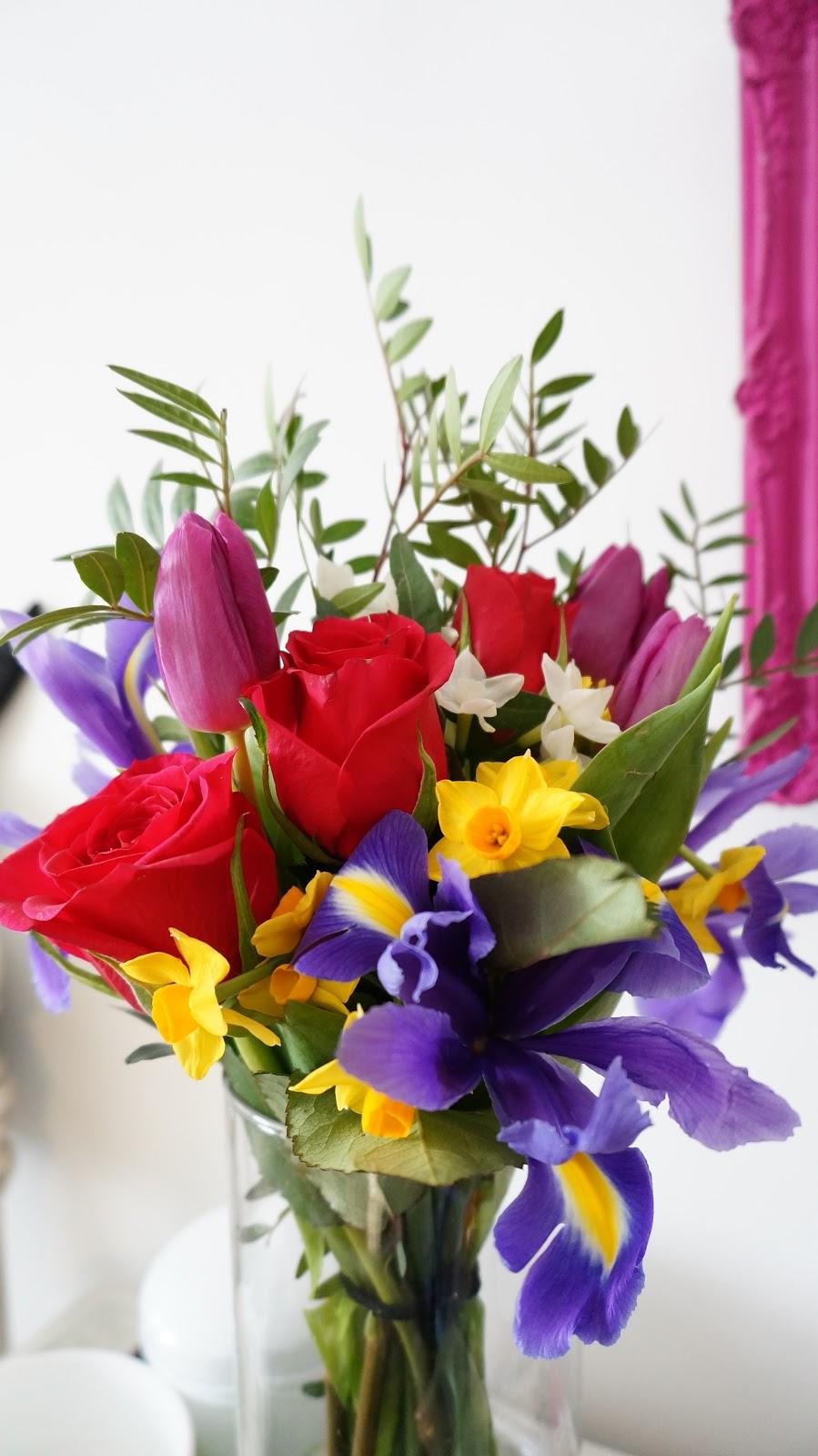 FLOWERS IN DESIGN - La Vie De Rie
