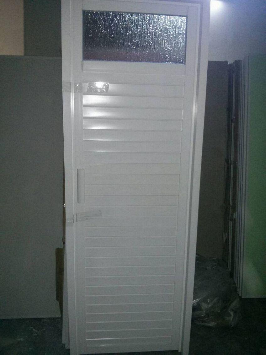 pintu aluminium kamar tidur 1