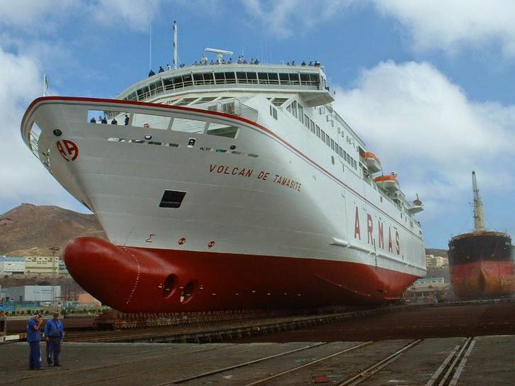Ferrybalear el volc n de tamasite cubre la ruta entre for Oficinas de naviera armas