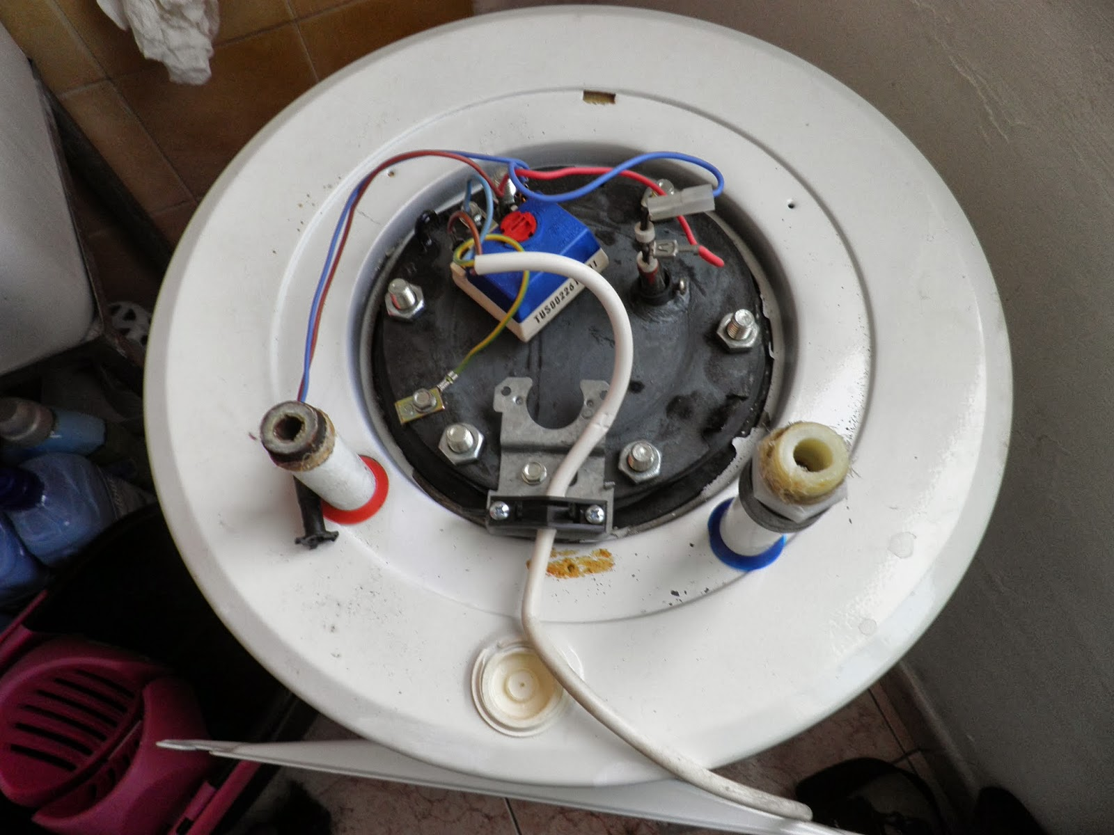 Como limpiar un termo electrico rpmsierradecor - Acumulador de agua electrico ...