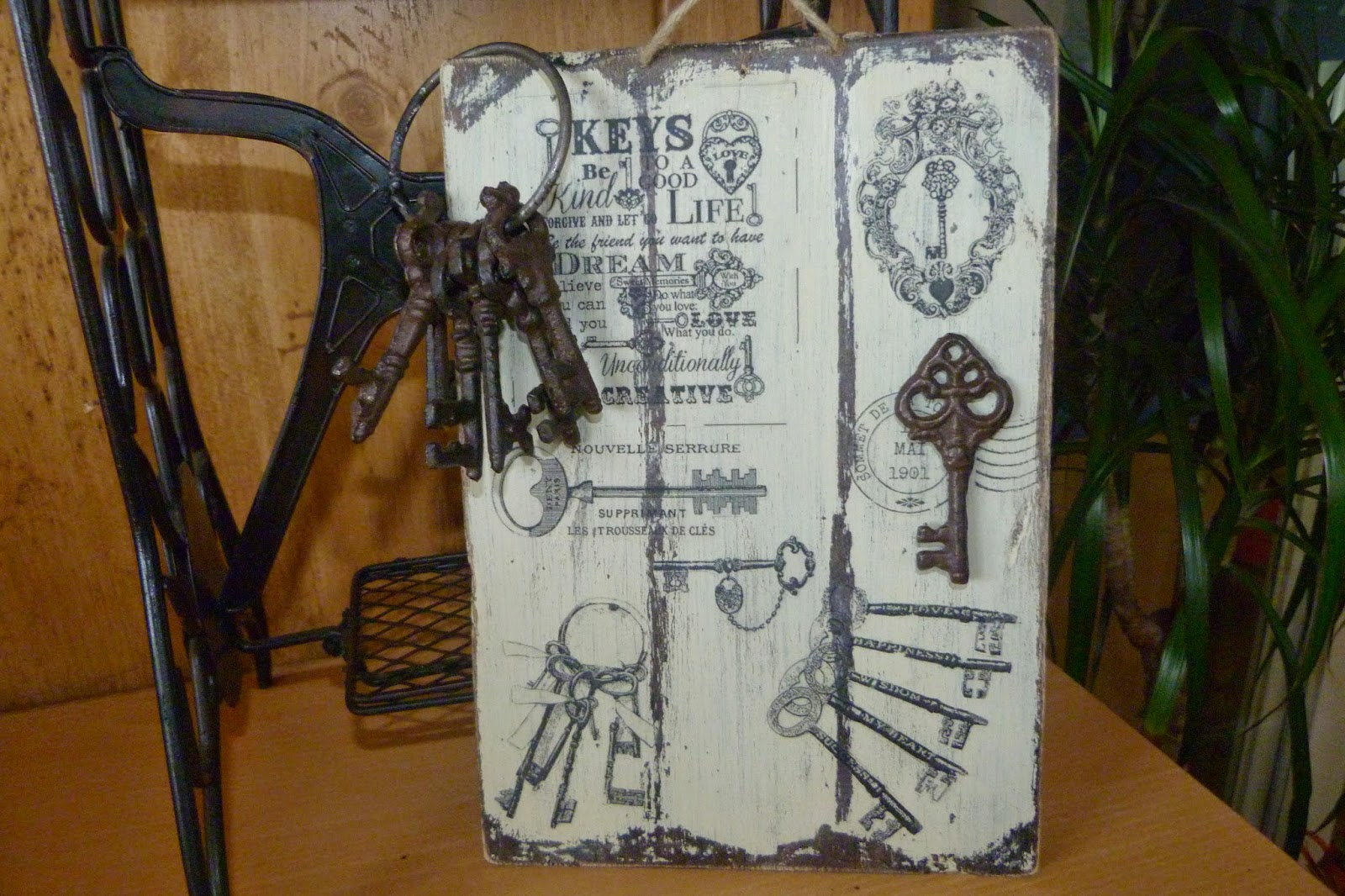 Cartel con transfer de llaves antiguas - Isabel Vintage
