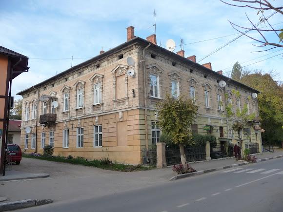 Самбір. Житловий будинок