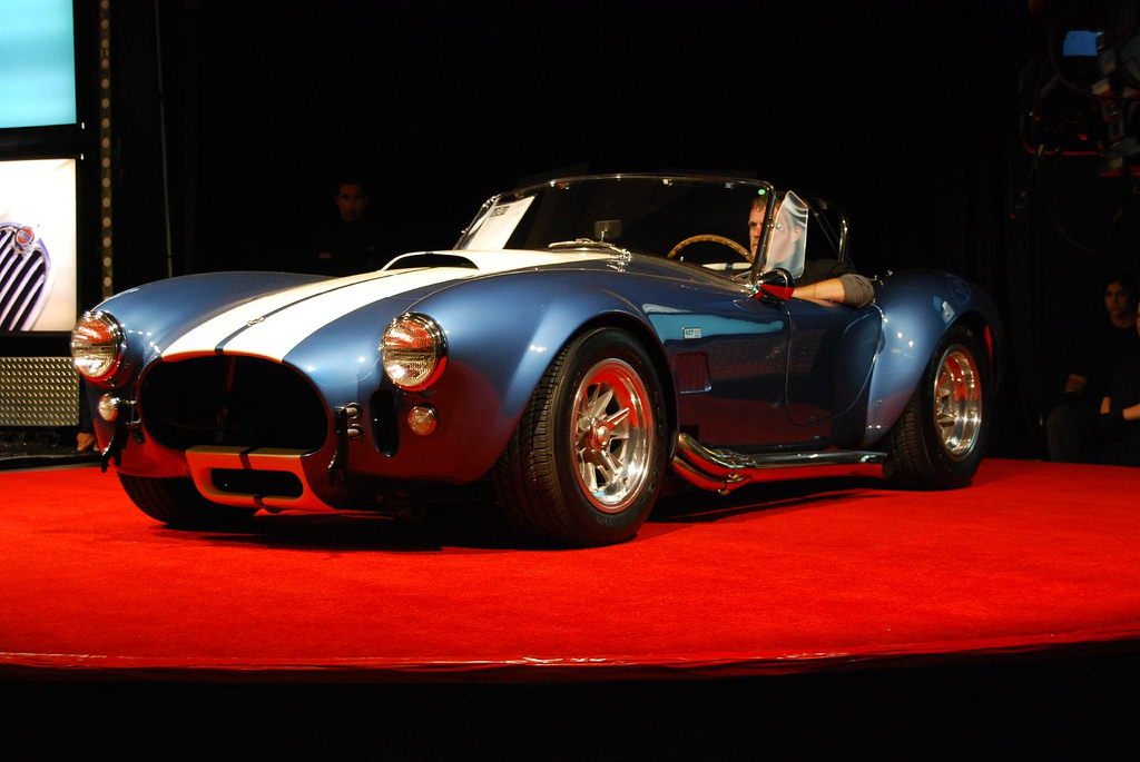 the hottest muscle cars in the world why did the 1966 shelby cobra 427 super snake sell for 5. Black Bedroom Furniture Sets. Home Design Ideas