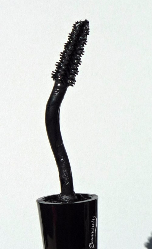 Lancome Grandiose mascara: the bent, swan-neck wand and brush