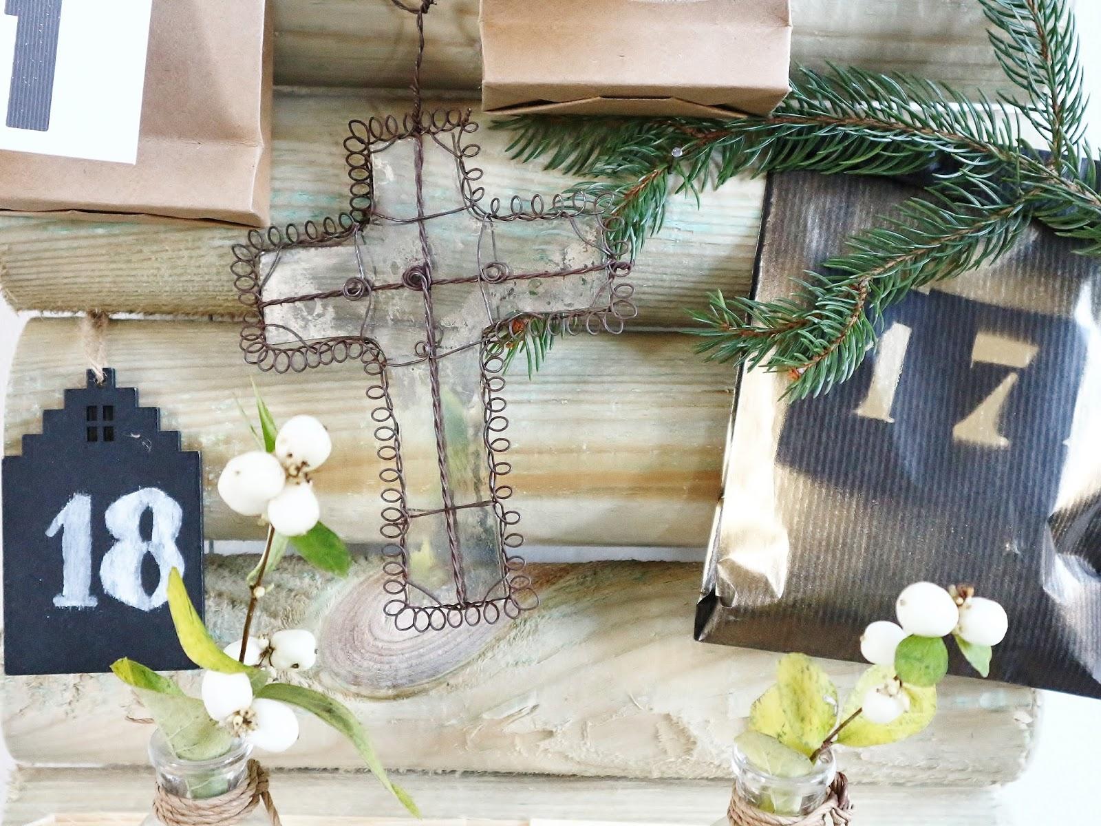 atelier rue verte le blog diy mon calendrier de l 39 avent avec une bordure en bois. Black Bedroom Furniture Sets. Home Design Ideas