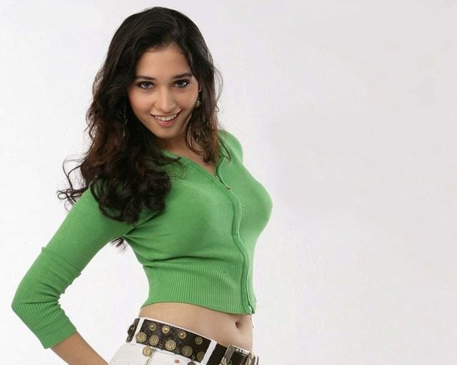 Stylish Tamanna HD Wallpapers Smiling
