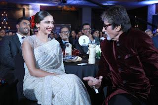 Deepika Padukone At Awards Function In White Saree (1)