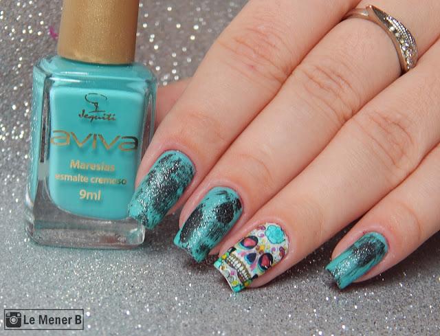 nail art azul e preto