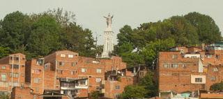 Cristo Rey, San Salvador, Medellín. Foto: Jorge Bela