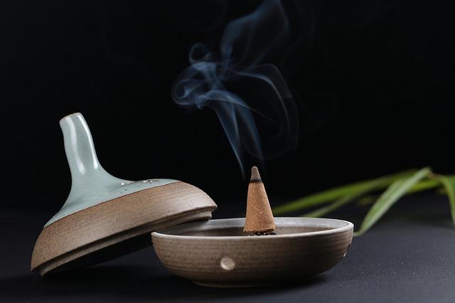 धूप(Incense)भी एक औषधीय चिकित्सा कर्म है