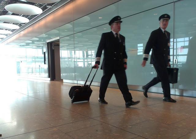 pilotos de aviación comercial