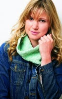 http://www.letsknit.co.uk/free-knitting-patterns/bonus-cowl-pattern