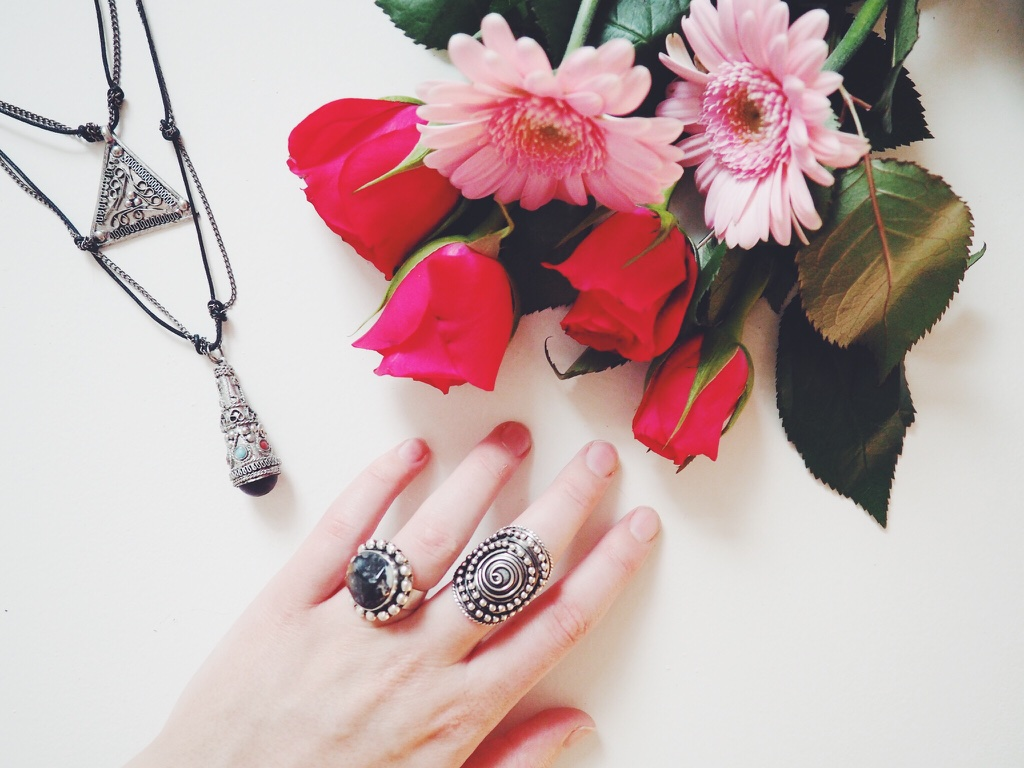 fashion, fashionbloggers, jewellery, hippiechic, wiw, whatimwearing, jewelleryblogpost, asseenonme, lotd, lookoftheday, stackedrings, longnecklace, hippy, bohemianjewellery, bohemia