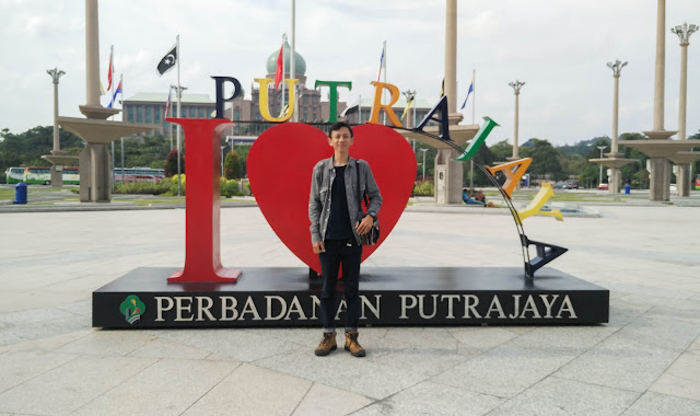 AirAsia Kunci Mahasiswa Gembel Bisa Berbackpacker Ria