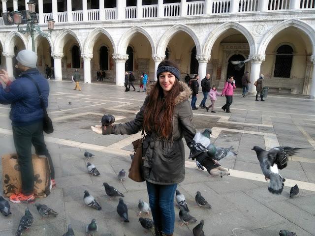 italy, italija, venice, venecija, trip, journey, europe, travel, traveling, izlet, potočki promet, autobus, put, putovanje, boat, brod, sea, more, couple, par, godišnjica veze, pigeons, golubovi
