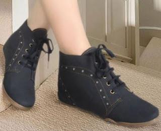 Gambar Sepatu Flat Wanita Yang Cocok Dengan Gaya Masa Kini